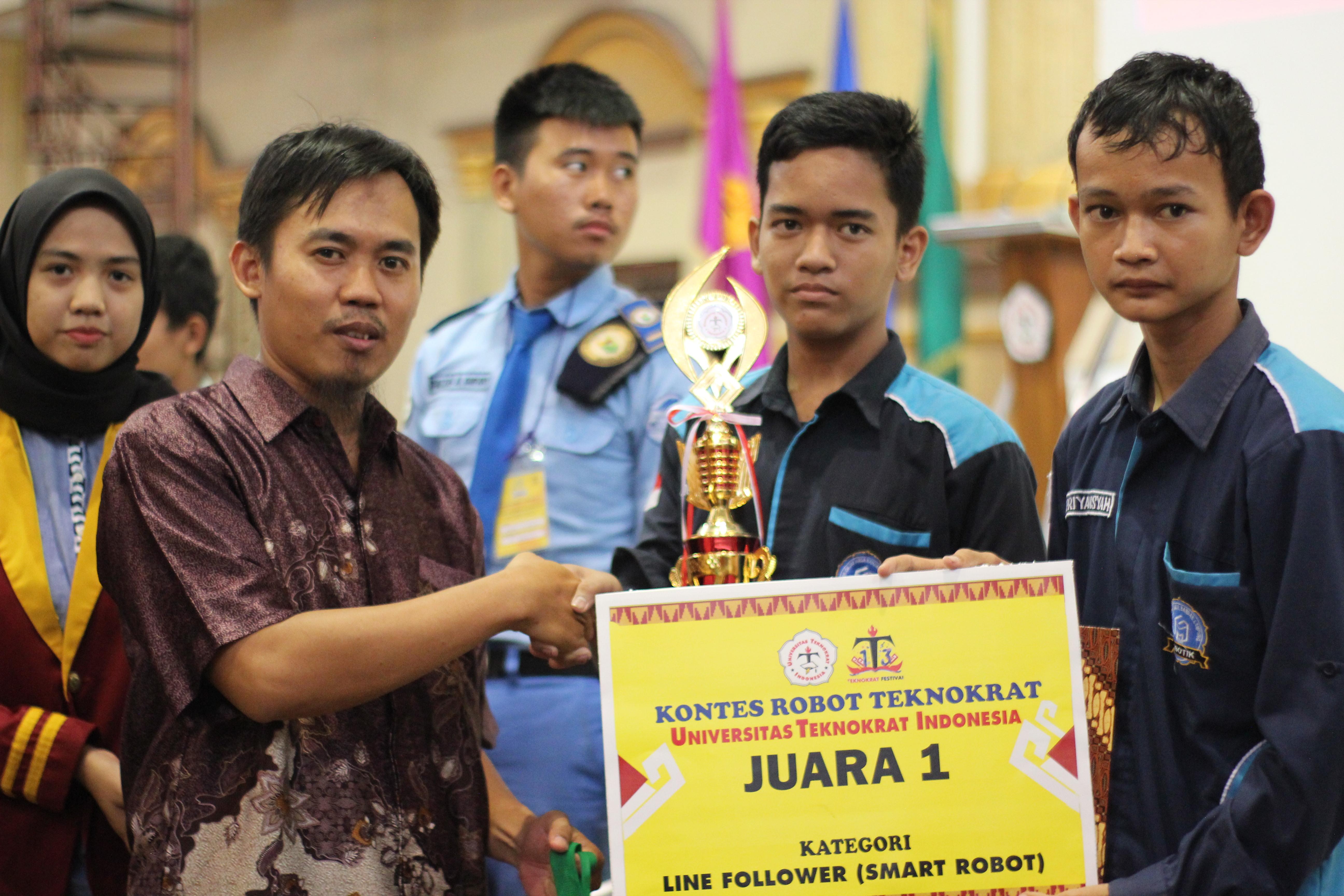 Juara 1 Smart Robot